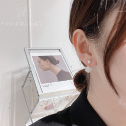 Japanese style simple small fresh cloud shell earrings